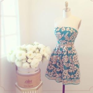 1861 Small blue and pink strapless dress